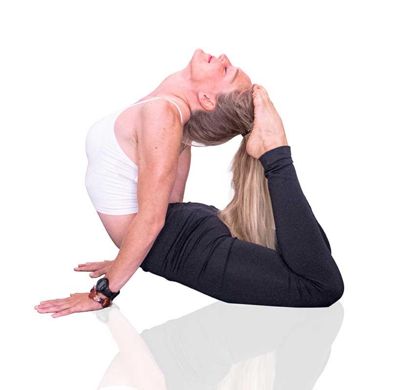 besson-loren-professeur-de-hatha-yoga-studio-yoga-et-asana-sète