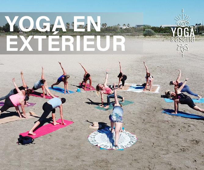 yoga et asana à Sète cours collectif de yoga sur le sable au bord de la mer à villeroy